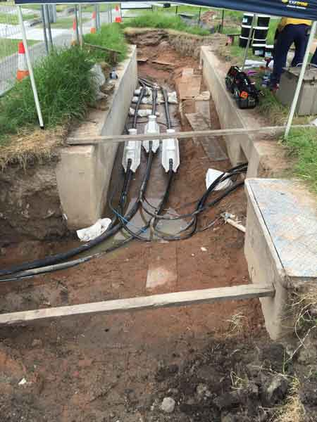 High Voltage Underground Cable Installation : Kv trifurcating transition cable joint single xlpe