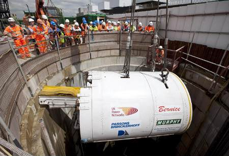 The Lovat TBM advanced the tunnel by an average of 16m every 10 hour shift and successfully navigated several 70m radius bends.